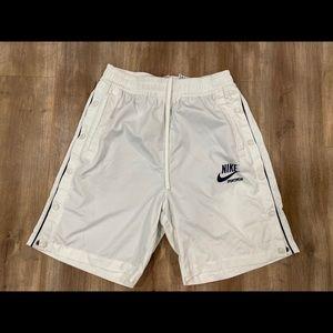 Nike Sportswear Sail/Obsidian Woven Archive Shorts